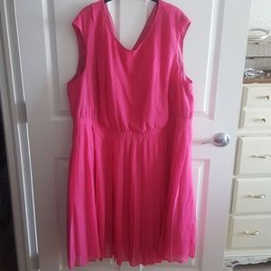 Pink party dress (24w)